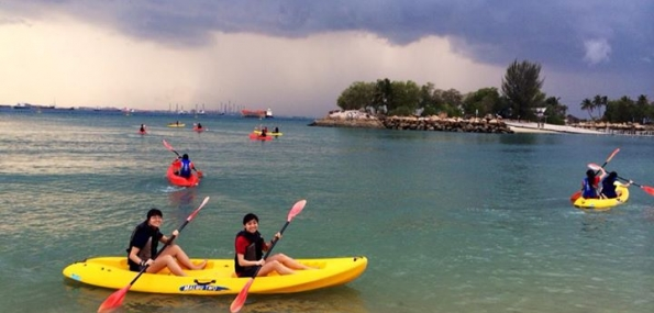 Kayaking (2 persons, 1 hour)