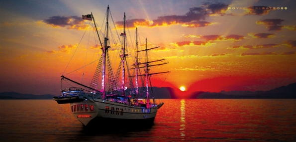 Sunset Sail Onboard The Royal Albatross - Platinum Adult Tickets (2 People) + Special Discount Offer